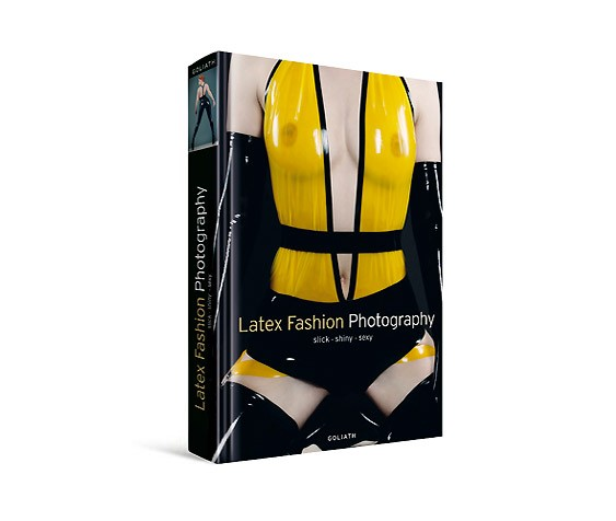 LATEX FASHION PHOTOGRAPHY